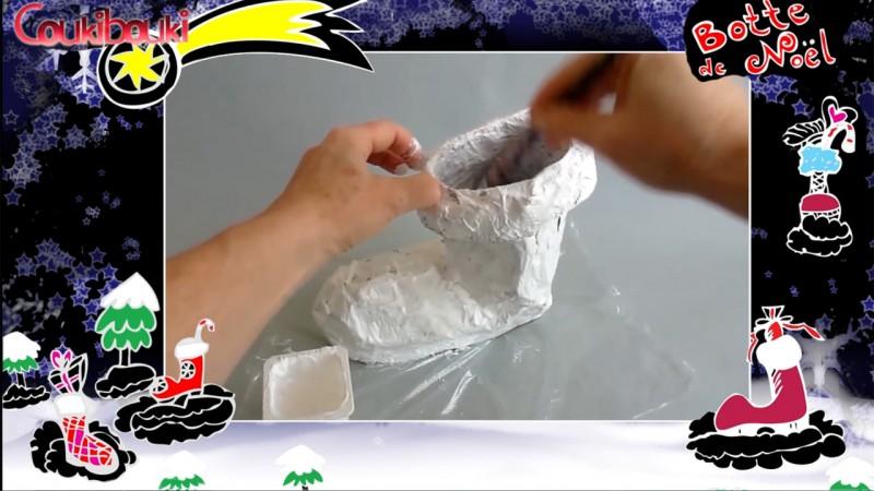 Botte de Noël en papier mâché, une belle décoration pour Noël, la peinture blanche