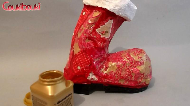 Botte de Noël en papier mâché, le vernis
