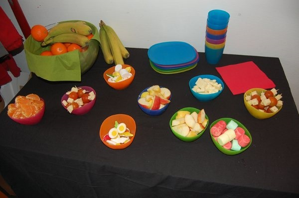 Un goûter vitaminé à l'atelier des enfants
