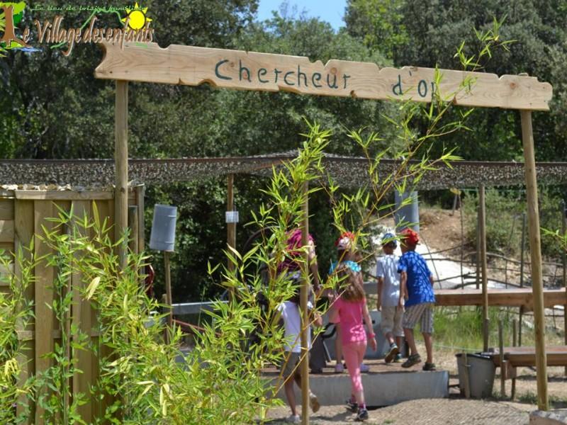 Le parc d'animation le village des enfants, les chercheurs d'or.