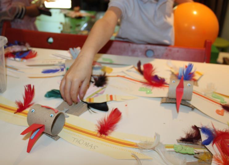 L'ateliers des enfants durant les vacances d'été, oiseau recyclage