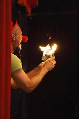 Clown Magicien Quimper, Spectacle de Clown et de Magicien en Finistere Bretagne.