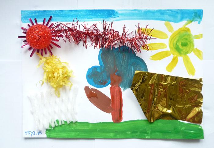 Ateliers d'arts plastiques, paysage à la gouache et assemblage de matériaux différents.