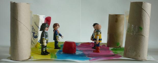 Atelier anniversaire enfants à domicile, décoration, pâte à modeler et gouache.