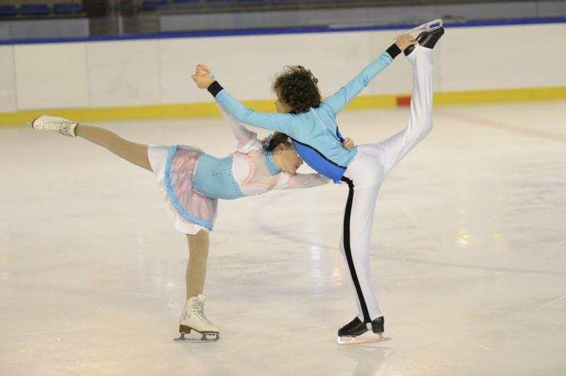 Créations de costumes et déguisements pour enfants, danse sur la glace.