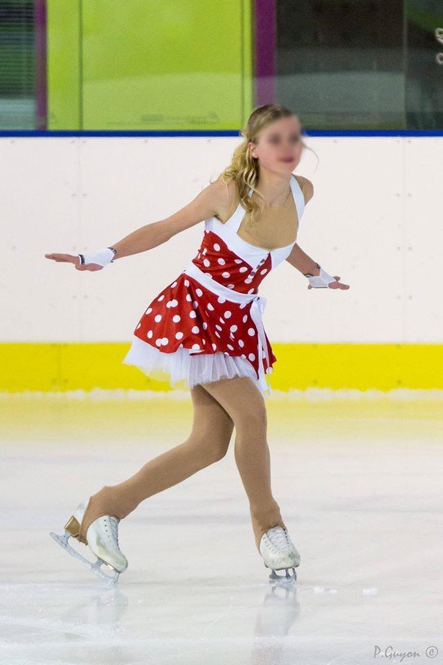 Créations de costumes et déguisements pour enfants, patins à glace.