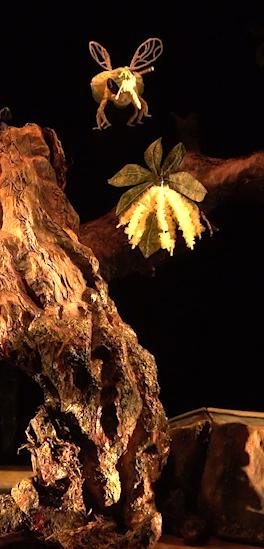 Emporté par le vent. marionnettes pour les 18 mois à 5 ans abeille recadre e