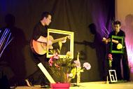 spectacles enfants spectacle Fleur de peau par la Compagnie Ernest le Dromadaire pour le très jeune public