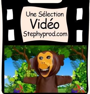 Vidéo Fais des grimaces avec la marionnette singe pour les enfants et les bébés.